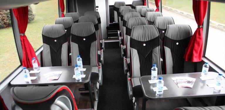 autocars avec chauffeur avis chauffeur location de v hicules avec chauffeur sur paris 75. Black Bedroom Furniture Sets. Home Design Ideas